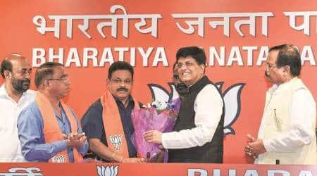 Goa: Turncoat MLAs cite 'weak' Congress future