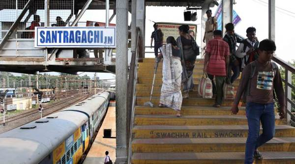 Santragachi FOB stampede: 'We couldn't breathe'