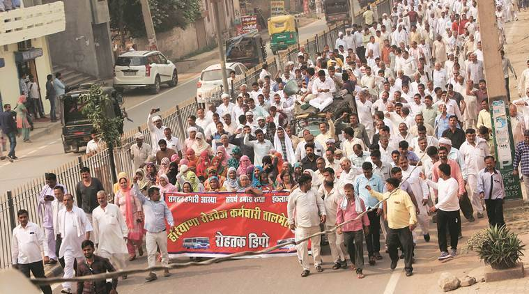 Khap panchayats and sarpanches come out in support of Haryana Roadways employees on the 14th day and take out protest march in Rohtak to back their demands on Monday. October 29:EXPress Photo