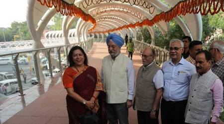 New ITO Skywalk becomes venue for Centre-Delhi war
