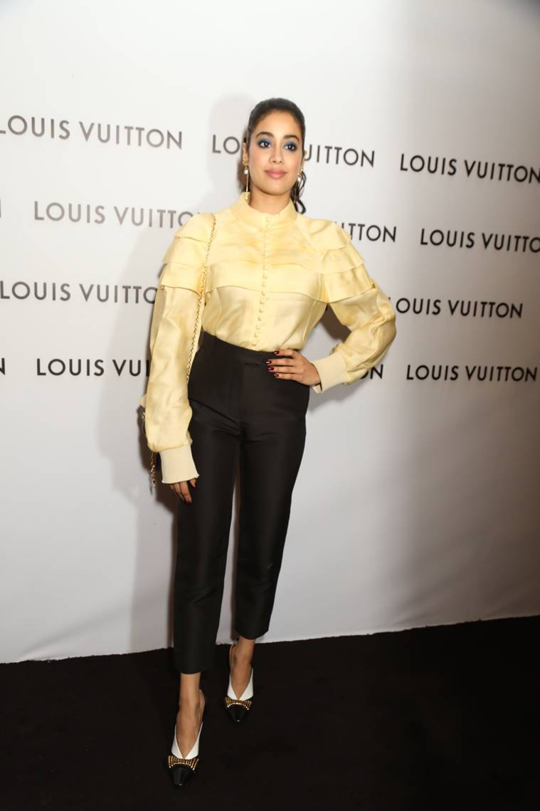 jahnvi kapoor, jahnvi kapoor louis vuitton store launch, jahnvi kapoor photos, jahnvi kapoor pics, jahnvi kapoor images, jahnvi kapoor latest pics, indian express, indian express news