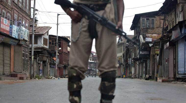 Jammu & Kashmir, Militants take police rifles, kashmir militants, jammu and kashmir police, kashmir, police rilfes stolen, indian express