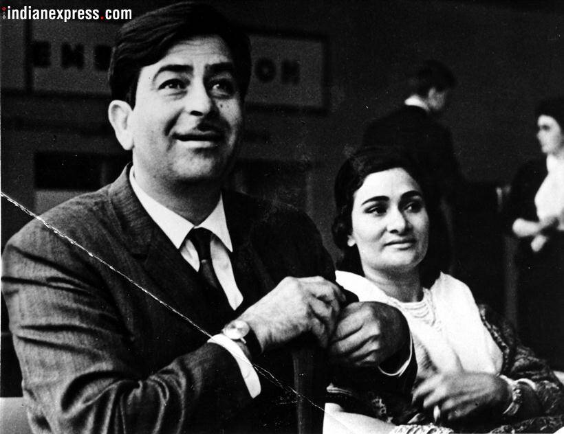 krishna raj kapoor with husband raj kapoor