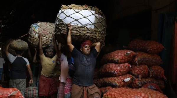 Government seems blind to the crisis in agriculture, slowdown in industry