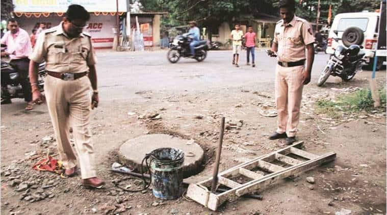 Dombivali, mumbai, maharashtra, Labourers dead, contract labourers, manual scavengers, Indian Express