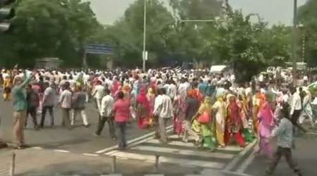 MCD workers protest outside Delhi Chief Minister Arvind Kejriwal's residence on Thursday. (ANI)