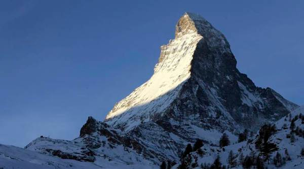 Atleast five South Korean climbers and four Nepalese guides missing in storm