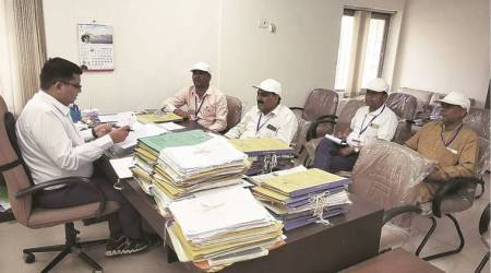 Madhya Pradesh: Officals asks Jhabua migrants to return for polls, assesses their living conditions
