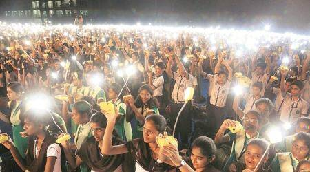 5,700 students light solar lamps together at IIT-Bombay, set Guinness record