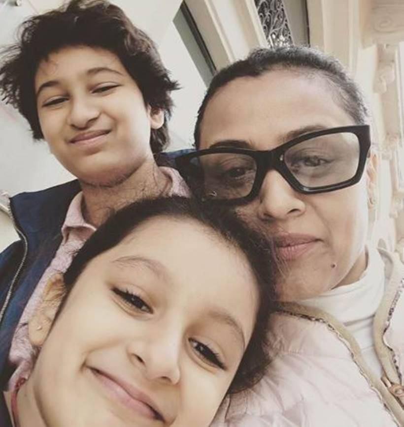 Namrata Shirodkar with kids