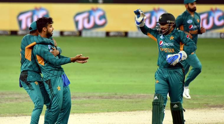 Pakistan elect to bat in the third T20 game against Australia