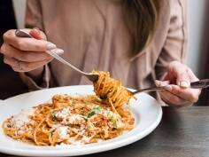 Should pregnant women eat pasta?