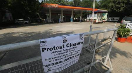 Delhi fuel pump strike HIGHLIGHTS: Commuters suffer as autos, taxis stay off roadstoday