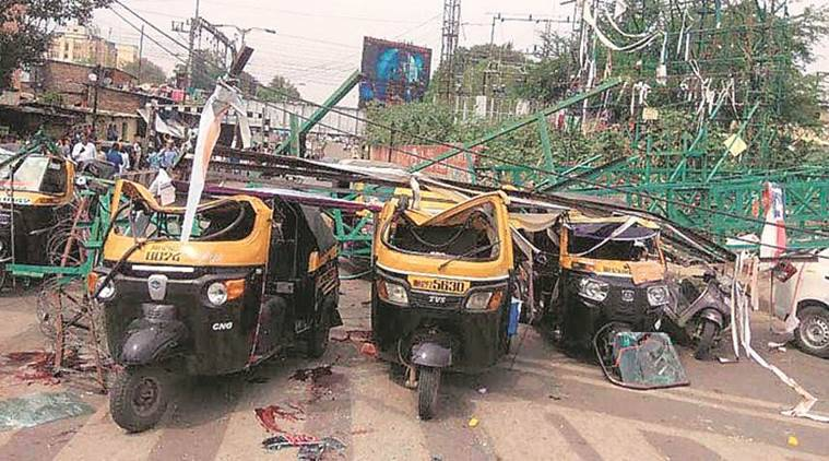 Pune hoarding collapse, Pune frame collapse, Pune accident, death in accident, railway hoarding collapse, Pune news, indian Express