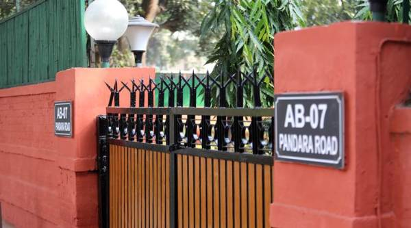 CBI 'credibility dented', ex-officers question CVC, say govt delayed action