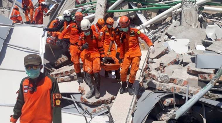 1,200 convicts escape Indonesian prisons in quake-tsunami zone