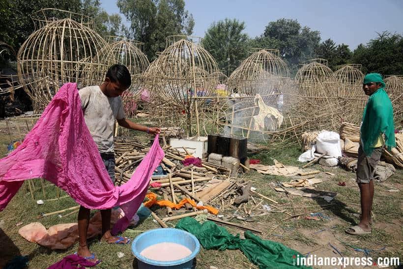 Craftsmen prepare Ravana effigies ahead of Dussehra
