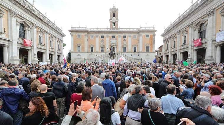 Thousands demand resignation of Rome mayor
