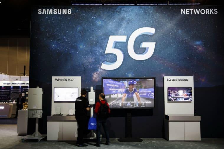 Samsung, Samsung foldable phone, Galaxy X, Samsung Galaxy X, Samsung Galaxy X launch, foldable phone, flexible phone, Samsung foldable phone, Samsung flexible phone