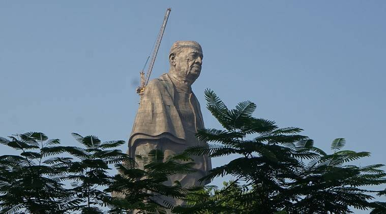 Towering statue of India's independence leader unveiled