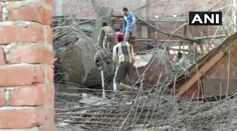 Shahjahanpur, Shahjahanpur roof collapse, Shahjahanpur building, UP roof collapse, Uttar Pradesh, Indian Express