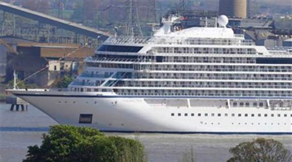 Passengers aboard Australian cruise ship refunded due to 1,300 unruly Indians