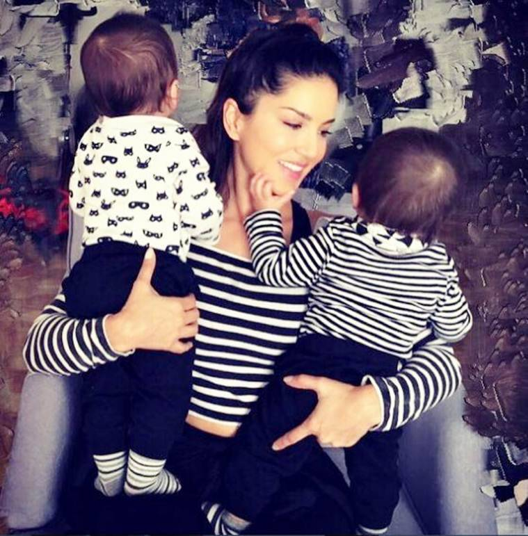 sunny leone photo with babies