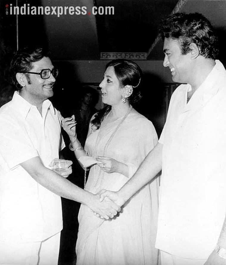 gulzar with suchitra sen and sanjeev kumar