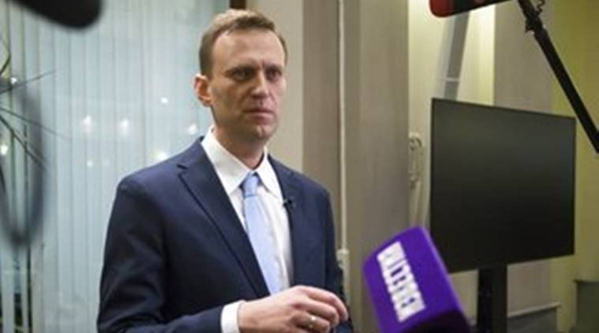 Alexei Navalny, Alexei Navalny russia, Alexei Navalny ill, Alexei Navalny's illness, russia's Alexei Navalny, russia Alexei Navalny ill, world news, Indian Express