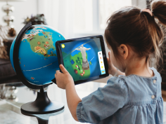 What are Augmented Reality toys? How are they useful forchildren?