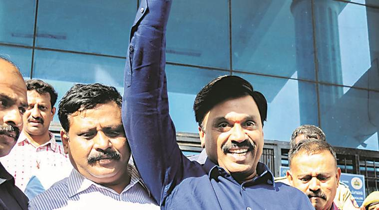 Janardhan Reddy held for accepting Rs 20 crore, aide promises money back