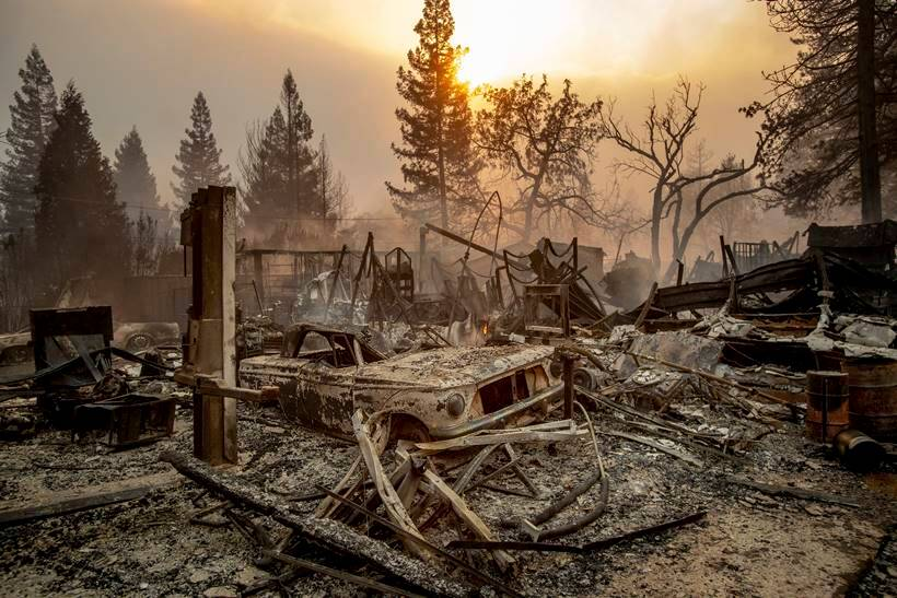 Wildfire ravages California town, thousands forced to evacuate