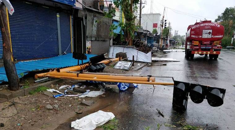 Cyclone Gaja: Storm leaves several dead, heavy rainforests for the next 24 hours.
