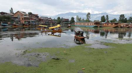 J-K exchequer owes Dal Lake expert committee Rs 35 lakh
