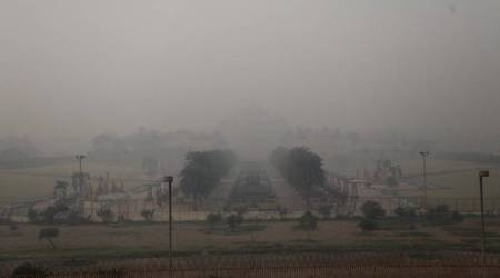 Delhi pollution, air quality index delhi, delhi after diwali, air quality in delhi, Delhi people, Delhi news, Delhi pollution photos, Delhi haze, Delhi firecrackers burning, Indian express