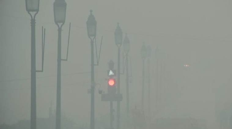 Delhi's air quality deteriorates to 'hazardous' category, recorded 707 at mandir marg