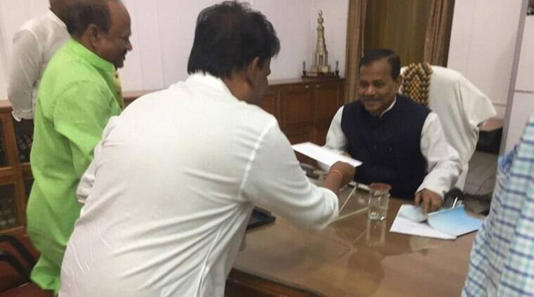 'Treated as furniture', Odisha BJP leaders Dilip Ray, Bijoy Mohapatra quit party