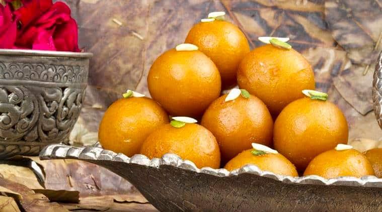 Diwali, diwali 2018, deepavali, happy deepavali, deepavali 2018, diwali 2018 india, diwali spreads across india, diwali spreads in delhi, diwali spreads in mumbai, diwai spreads in bengaluru, indian express, indian express news