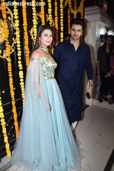 Image result for Ekta Kapoor's Diwali bash: Divyanka Tripathi, Mouni Roy, Kriti Sanon and others join the celebrations