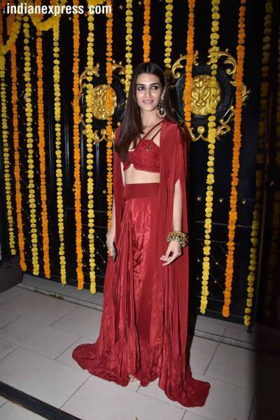 kriti sanon at ekta kapoor diwali party