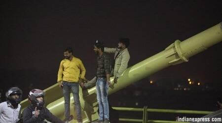 Delhi's Signature Bridge: Where a selfie means risking your life