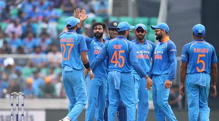 Ravindra Jadeja celebrates with teammates