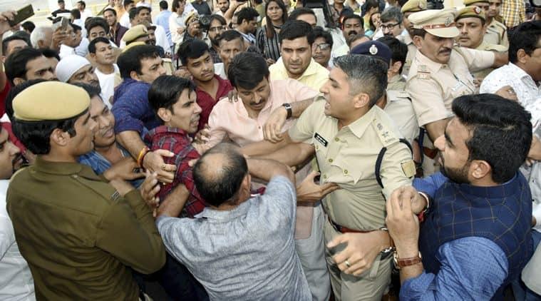 manoj tiwari, signature bridge, delhi signature bridge, signature bridge inauguration, scuffle with AAP, scuffle with police, delhi news,indian express
