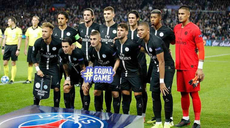 PSG players pose for photographers prior to start of the Champions League, group C, soccer match between Paris Saint Germain and Napoli at the Parc des Princes stadium in Paris