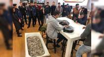 VIDEO: Russian man pays for iPhone XS with a bathtub full of coins!