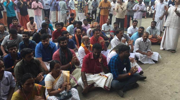 Hindu Activists led by the local BJP unit protesting outside Cochin International Airport blocking activist Trupti Desai's exit (Express Photo/Nitin)