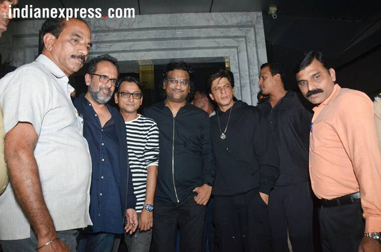 shah rukh khan birthday party with zero team