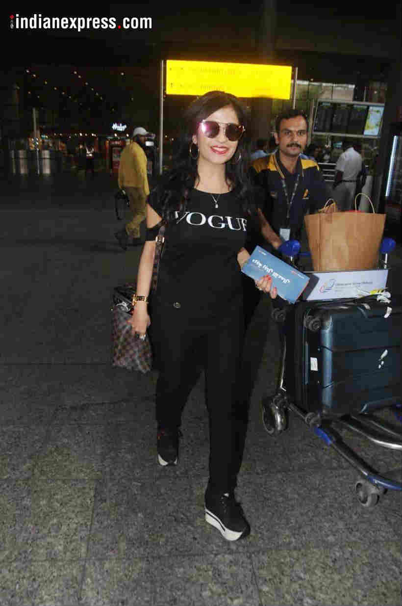 Shibani Kashyap celebrity airport look