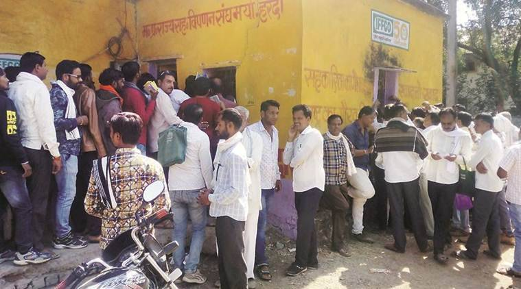 MP elections, mp urea, urea shortage mp, madhya pradesh urea shortage, mp elections 2018, madhya pradesh farmers, madhya pradesh assembly elections, indian express news