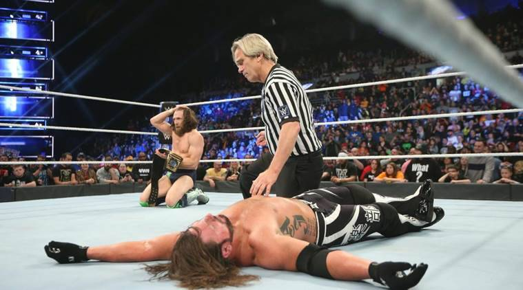 WWE SmackDown Live Results: Daniel Bryan lands low blow on AJ Styles to become WWE Champion